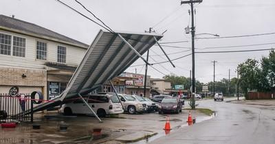 La Nación / Alerta en Texas: huracán Nicholas toca tierra con amenaza de inundaciones y marejadas