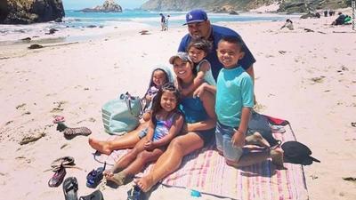 California: Una pareja murió de covid-19: tenían cinco hijos, uno de ellos un recién nacido de apenas 20 días