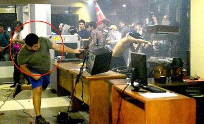 Fiscalía pide 5 años de prisión para Stiben Patrón por disturbios en el Congreso