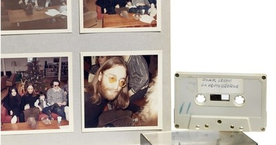 La Nación / Inédita grabación de John Lennon en casete a subasta en Dinamarca