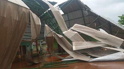 Vientos superaron los 90 km/h y causaron destrozos