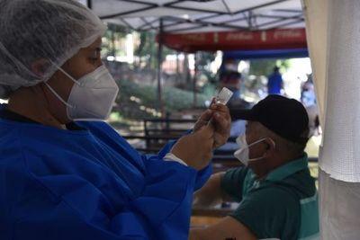 """Descenso de casos """"no es el fin de la pandemia"""", dice directora interina de Vigilancia de la Salud"""