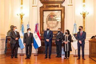 Canciller Acevedo estrecha vínculos con Jujuy y busca impulsar mayor comercio, turismo y conectividad terrestre y aérea