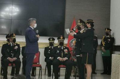 Comandante cambia a su director de Asuntos Internos por caso de tragada