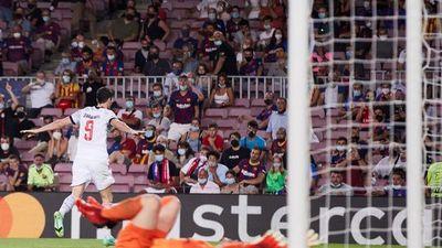 El Bayern y Lewandowski vapulean a frágil Barcelona