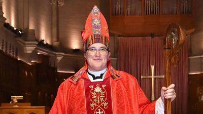Asume la primera obispa abiertamente transgénero de la Iglesia Evangélica Luterana de EE.UU.