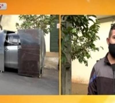 """Hombre """"blinda"""" su auto ante inseguridad y tortoleros"""