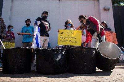 Piden a Abdo vetar la ley que recorta recursos a las ollas populares