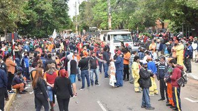 Comuna de Asunción reajustará salarios de trabajadores a pocos días de las Municipales