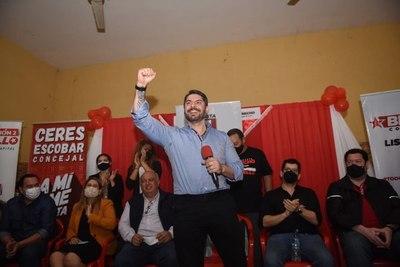 """Nenecho advierte que """"el asado de fin de semana"""" está buscando volver con la oposición"""