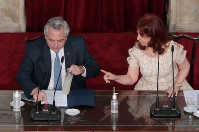 En un «apriete» a Alberto Fernández, renuncian todos los ministros que responden a Cristina Kirchner