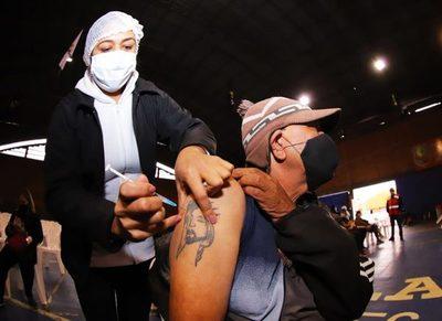 Paraguay superó objetivo de vacunación a población vulnerable en tiempo y porcentaje de inoculados