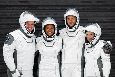 La primera misión espacial con tripulación de civiles