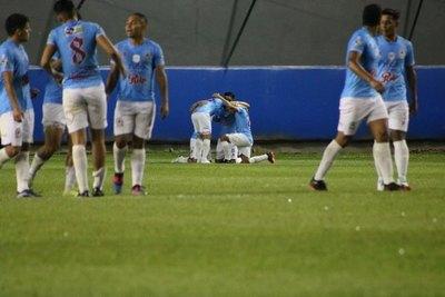 Resistencia golea a Colón de Ñemby y avanza en la Copa Paraguay