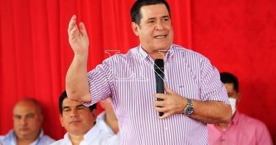 La Nación / Cartes instó a la dirigencia de Mariano Roque Alonso a recuperar la intendencia