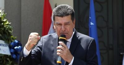 La Nación / Cuestionan uso indiscriminado de los recursos al titular del Partido Liberal