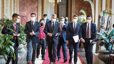 Abdo prioriza agenda electoral en Palacio antes de su viaje