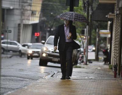 Esperan un jueves cálido y con predominancia de lluvias dispersas