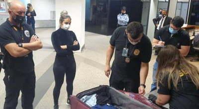 Imputan a mujer que pretendía viajar a España con carga de cocaína en su maleta