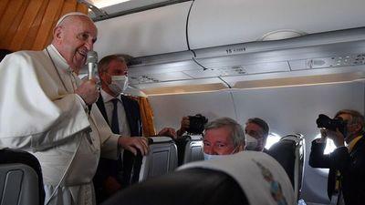 El Papa condena el aborto, pero pide visión pastoral
