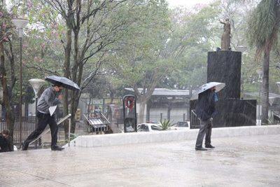Jueves con precipitaciones y ocasionales tormentas eléctricas