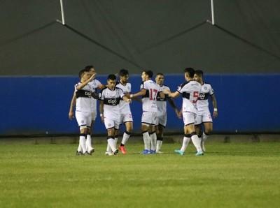 Los grandes avanzan sufriendo en la Copa Paraguay