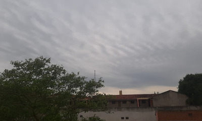 Jueves fresco a cálido con lluvias y tormentas eléctricas en Corone Oviedo