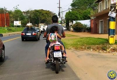 Padres irresponsables exponen a sus hijos •