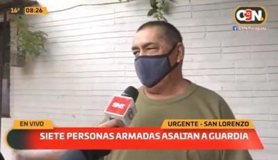 Siete delincuentes asaltan y golpean a un hombre de 62 años