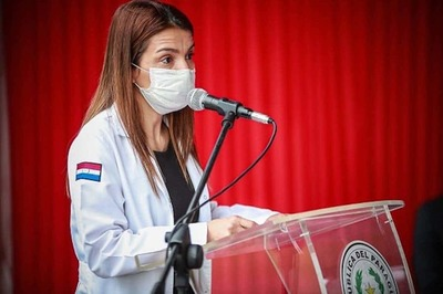 "Titular de Sindicato de Médicos afirma que fue amonestada por ""represalia"" a sus denuncias"