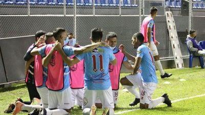 Resistencia avanzó en un show de goles