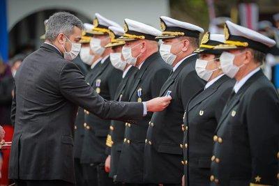 Con presencia del Presidente Mario Abdo la Armada Paraguaya celebra su día