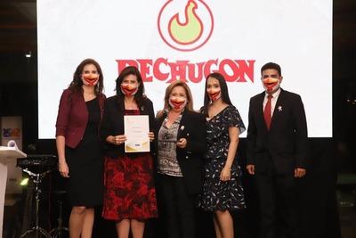 """Pechugón recibe el premio """"Empleador del Año 2021"""""""