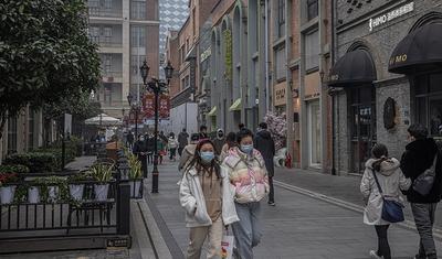 Confinamientos y mandatos de vacunas: ¿las exportaciones más exitosas de China?