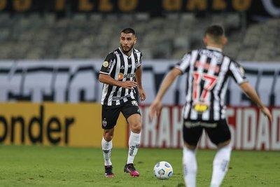 Capitaneado por el paraguayo Junior Alonso, Mineiro pasa a las semifinales de la Copa Brasil