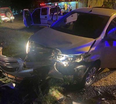 Choque de vehículos dejó un joven conductor herido