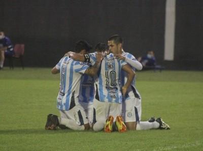 Guaireña FC avanza a los octavos de final