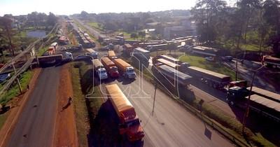 La Nación / Transportes de carga se formalizan: SET registra aumento del 7,6% en contribuyentes en el sector