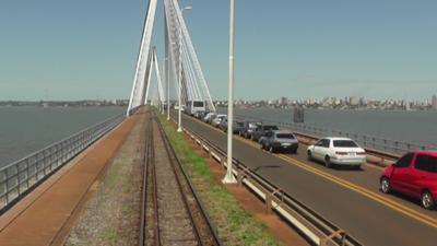 Autoridades se reúnen con gobernador argentino en busca de reapertura de la frontera