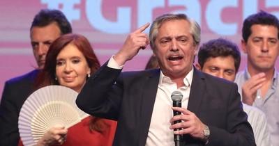 """La Nación / Crisis política en Argentina: """"Peronismo unido jamás será vencido, no existe"""", afirman"""