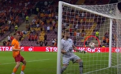Blooper: Golero se Lazio marca autogol increíble