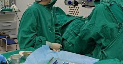 La Nación / Dos mujeres recibieron trasplante de córneas en el Hospital de Clínicas