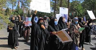 """La Nación / La ONU prolonga su misión en Afganistán y reclama a los talibanes un """"gobierno inclusivo"""""""