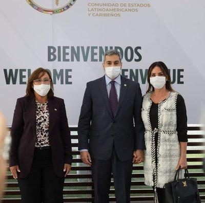 El Presidente Mario Abdo arribó a México para participar en la Cumbre de la CELAC