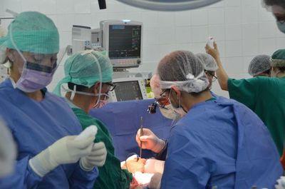Trasplante de órganos en una maratónica semana en Clínicas