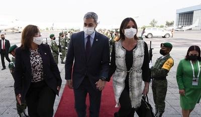 El presidente ya se encuentra en México e intervendrá mañana en cumbre de Celac