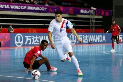 Mundial Futsal FIFA: Paraguay goleó a Angola y sigue con vida