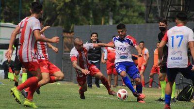 Vladimir Marín convierte un gol olímpicoen la Primera C