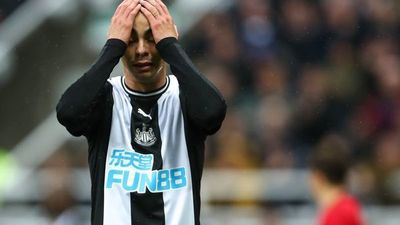 Newcastle de Miguel Almirón no pasa del empate ante Ledds