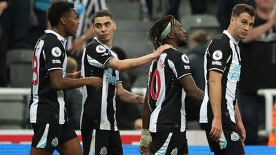 Newcastle y Leeds United animan un partidazo con igualdad